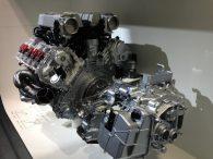 Moteur et pièces détachées pour automobiles